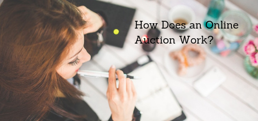 How does an online auction work?