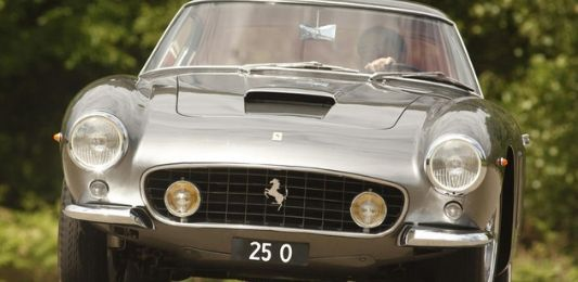 25 Onumber plate sells for £518,000